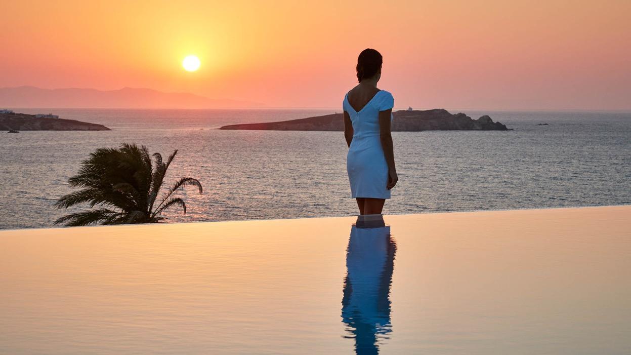 luxury mykonos hotel bill & coo 1